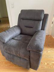 Sofa und Sessel elektrisch verstellbar