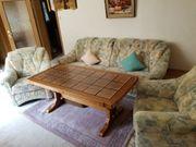 Sofagarnitur mit Tisch