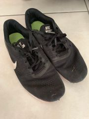 Nike Sportschuhe schwarz Größe 44