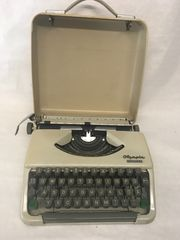 Reiseschreibmaschine Olympia Splendid33