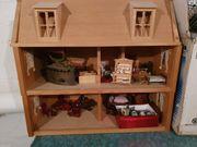 Puppenhaus Holz mit Inhalt