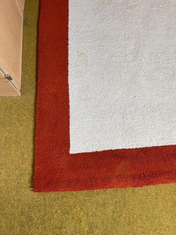 sehr gut erhaltener marokkanischer Teppich