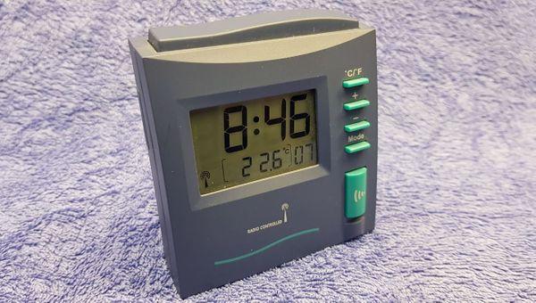 LCD Funkwecker blau türkis NEU