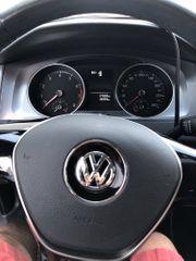 Volkswagen Golf in neuwertigem Zustand