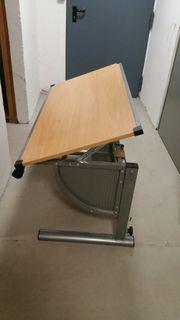 Schreibtisch verstellbar in Höhe und