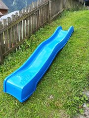blaue Rutschbahn