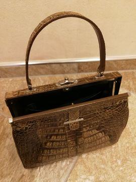Alte hübsche braune Damenhandtasche: Kleinanzeigen aus Nienburg - Rubrik Taschen, Koffer, Accessoires