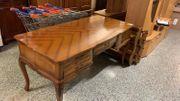 Alter Schreibtisch - L31101