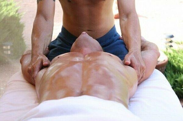 Erotische GAY Massage - Bodytoucher