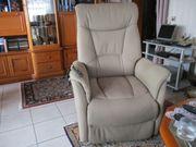 Elektrischer Sessel mit Aufsteh-hilfe