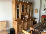 Eßzimmer oder Küchenmöbel Holz auf