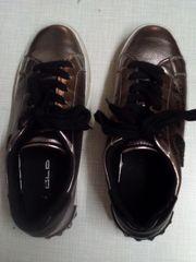 Mädchen-Schuhe und Sandalen