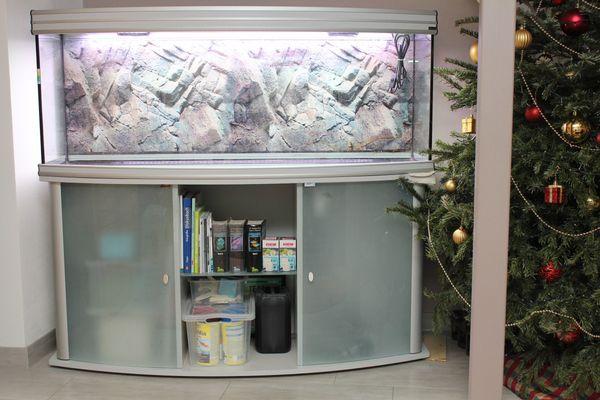 400 Liter Aquariumkombination mit Beleuchtung