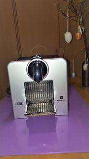 DeLonghi Nespresso Cube Kapsel-Maschine schwarz