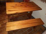 Holztisch u 2 Bänke