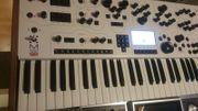 MODULUS 002 Synthesizer