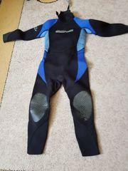 Kinder Neoprenanzüge und UV Schwimmanzüge