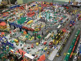 Spielzeug: Lego, Playmobil - LEGO EISENBAHN-ANLAGE