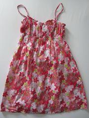 Sommer Blumen Kleid Gr 152