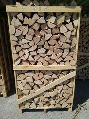 Brennholz Buche auf Palette