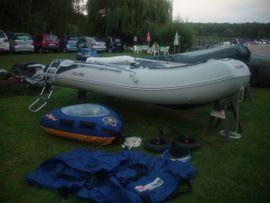 Schlauchboot Honwave T40 AE mit: Kleinanzeigen aus Berlin Wannsee - Rubrik Kanus, Ruder-,Schlauchboote