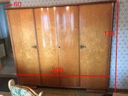 Vintage Retro Alter viertüriger Schlafzimmerschrank