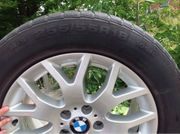 Gepflegte BMW Felgen mit Winterreifen