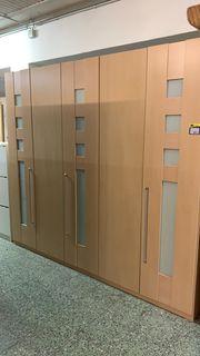 Moderner Kleiderschrank - L26103