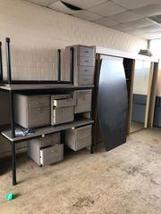 Büromöbel Schränke Tische und Stühle