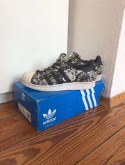 adidas Schuhe Superstar schwarz Größe