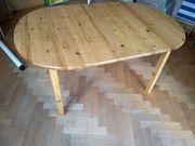 Tisch mit 4 Stühlen Esstisch