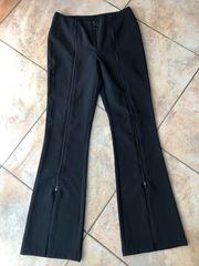 Schwarze Hose mit Reißverschluss Größe