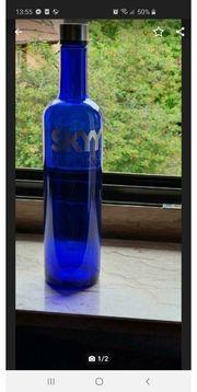 Schöne Blauglasflasche leer