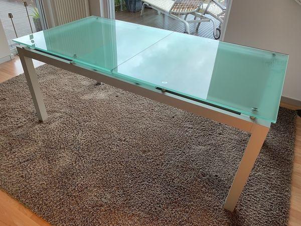 Ligne Roset Tisch aus Glas und Aluminium in Schiltach ...