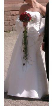 Brautkleid - Hochzeitskleid cremeweis Größe 38 -