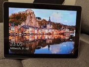 Microsoft Surface Go mit Tastatur