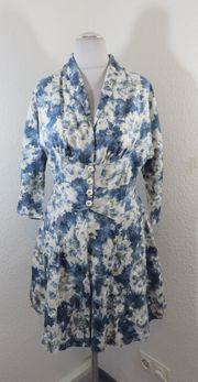 5 blau weißes Blumenkleid Gr