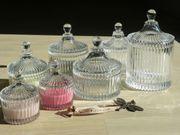 Sieben Glasschalen mit Deckel Glasdosen