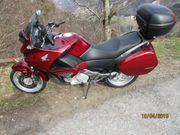 Honda Deauville NT 700V