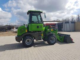Traktoren, Landwirtschaftliche Fahrzeuge - Radlader Hoflader VL 910