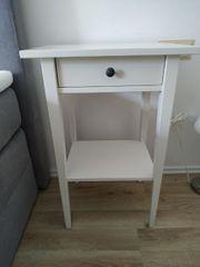 Hemnes Nachttisch von IKEA