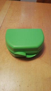 Tupperware Jausebox