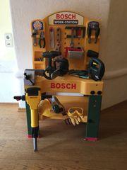 Werkbank Bosch mit viel Zubehör