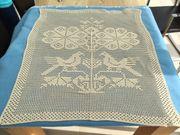 Schönes Häkeltuch - Handarbeit Tischdecke oder
