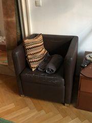 Zu verschenken Sessel mit Hocker