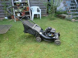 Gartengeräte, Rasenmäher - Benzinmotor Rasenmäher Briggs Stratton 4-Takt