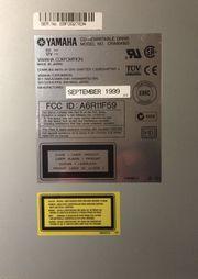 YAMAHA CRW-6416 S SCSI 1999