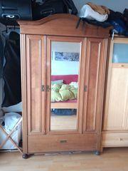 Kleiderschrank Massivholz mit Spiegel