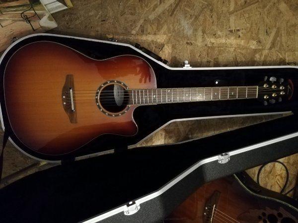 Ovation Gitarre