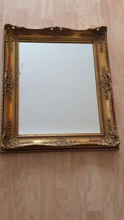 Wandspiegel Goldfarbig
